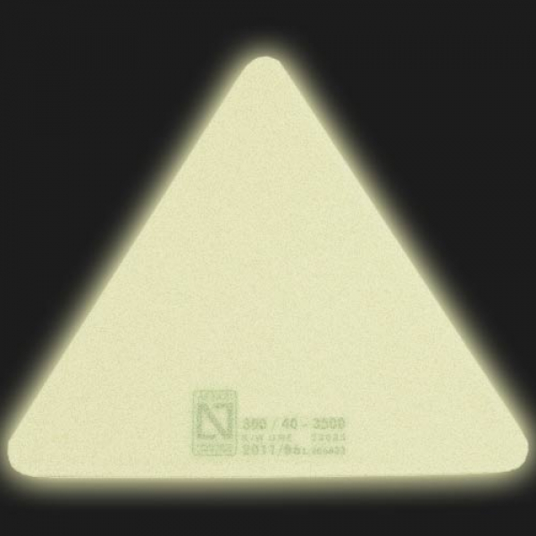 Señal triangular fotoluminiscente para suelos